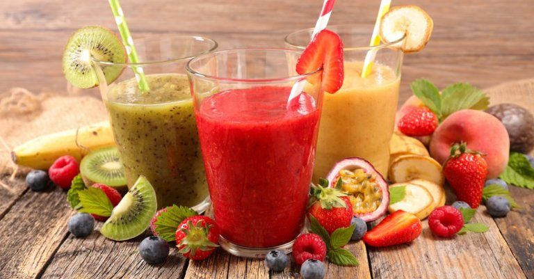 How To Make A Fruit Smoothie In Less Than 10 Minutes